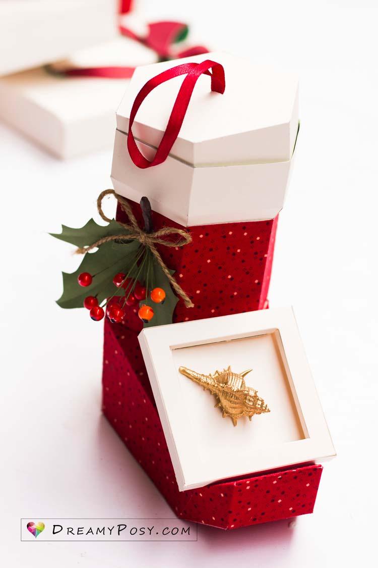 desk decor xmas, xmas stocking, xmas paper, paper stocking, gift box, free template