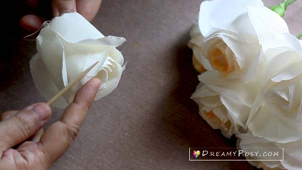 Quick way to make a paper rose, #paperrose step by step tutorial, how to make paper flower, toilet paper crafts #paperflower #flowermaking #flowertutorial