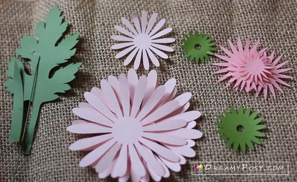 Paper flowers diy free template and step by step tutorial paper flower diy free template mightylinksfo