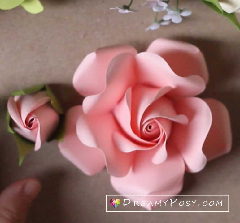 How To Make Rolled Paper Roses - DIY Rolled Paper Flowers - YouTube | 721x775